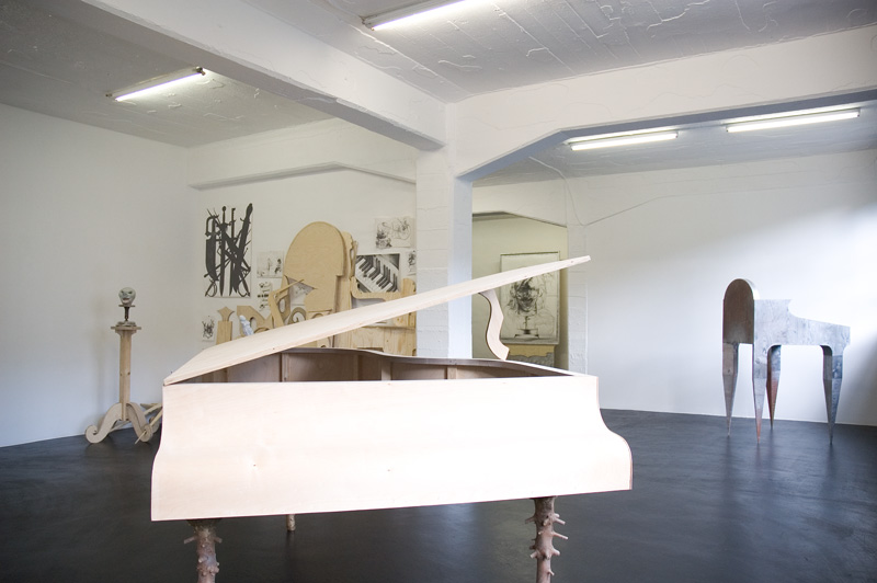 Sebastian Goegel . Exhibition view | Sculpture Club, 2007